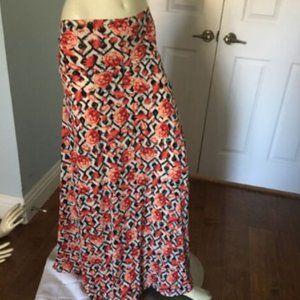 LulaRoe Maxi Skirt L Red Peonies & Lilies on B &W